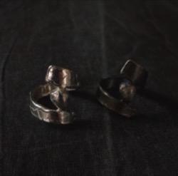 GOIU Miid Dot Ring