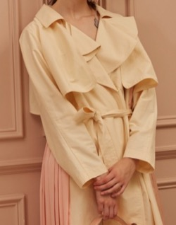 CAHIERS Back-Pleated Oversized Trench Coat