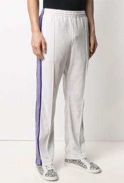 【ジョングク】BTS「BUTTER(バター)」 MVファッションサイドラインの白いジャージパンツ