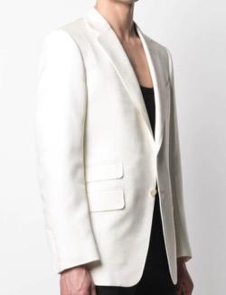 【スガ】BTS「BUTTER(バター)」 MVファッション白いジャケット