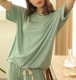 【わかっていても 第3話】 ハン・ソヒ(ユ・ナビ)さん衣装(ジャケット)グリーンのセットアップ・Tシャツ