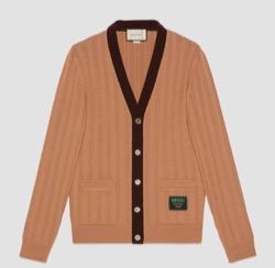ペントハウス2・シャイニーオニュ・衣装ブラウンのカーディガン