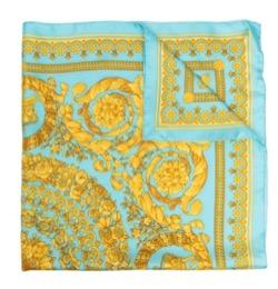 【TWICE・Chaeyoung(チェヨン)】Alcohol-FreeのMV衣装(トップス・スカート・スカーフ)ブルーのスカーフ