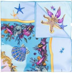 【TWICE・Jihyo(ジヒョ)】Alcohol-FreeのMV衣装(スカーフ)ブルーの貝殻柄スカーフ