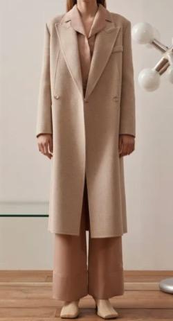 わかっていても ハンソヒ(ユ・ナビ) 衣装ベージュのロングコート