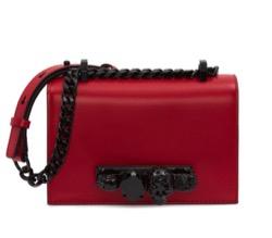 【海街チャチャチャ】シン・ミナ(ユン・ヘジン役)衣装赤いショルダーバッグ